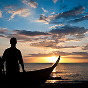 MARINDUQUE (Philippines). 2009. Fishermen on the beach at sunset.