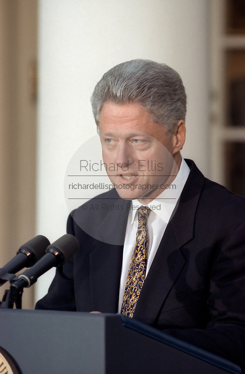 U.S President Bill Clinton apologize to the nation for his conduct in the Monica Lewinsky affair in the Rose Garden of the White House December 11, 1998 in Washington, DC. Clinton said he would accept a congressional censure or rebuke.