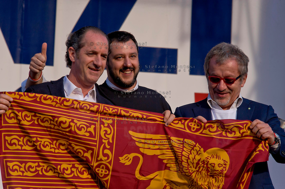 Roma 28 Febbraio 2015<br /> &quot;Renzi a casa!' - Manifestazione della Lega Nord in piazza del Popolo contro il Governo Renzi, e  contro l'Euro. Matteo Salvini (C) con Luca Zaia(L) p presidente Regione Veneto Roberto Maroni (R) presidente della Regione Lombardia.<br /> Rome February 28, 2015<br /> &quot;Renzi at home! '- Demonstration of the Northern League in Piazza del Popolo against the government Renzi, and against the Euro.&nbsp; Matteo Salvini (C) with Luca Zaia (L), president of the Veneto Region, Roberto Maroni (R), president of the Lombardy Region