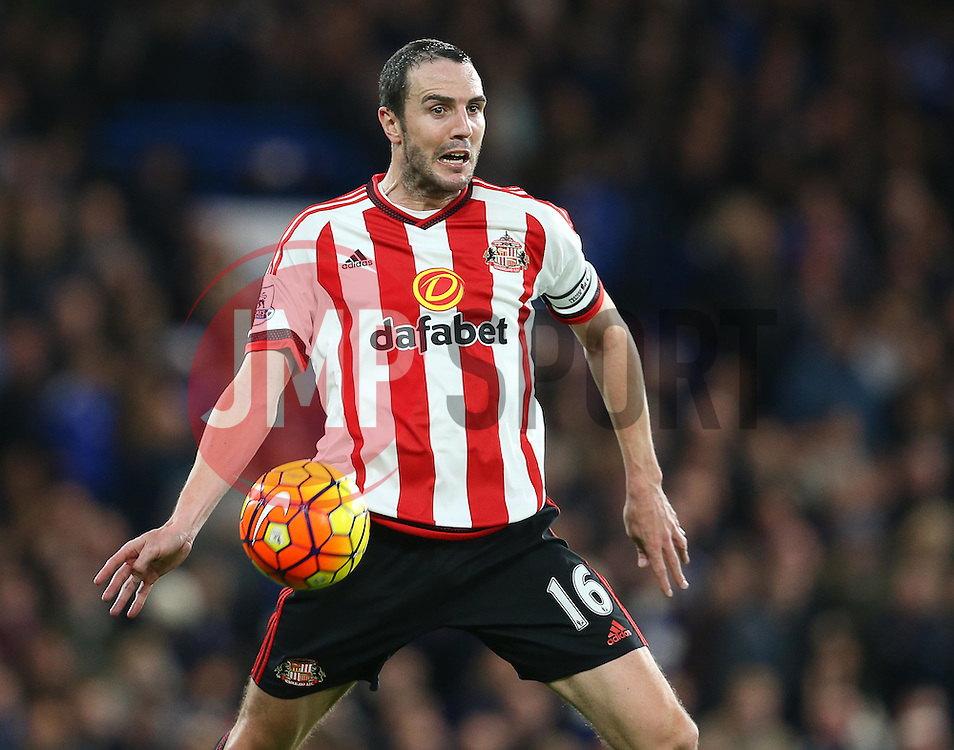 John O'Shea of Sunderland - Mandatory byline: Paul Terry/JMP - 07966 386802 - 19/12/2015 - FOOTBALL - Stamford Bridge - London, England - Chelsea v Sunderland - Barclays Premier League