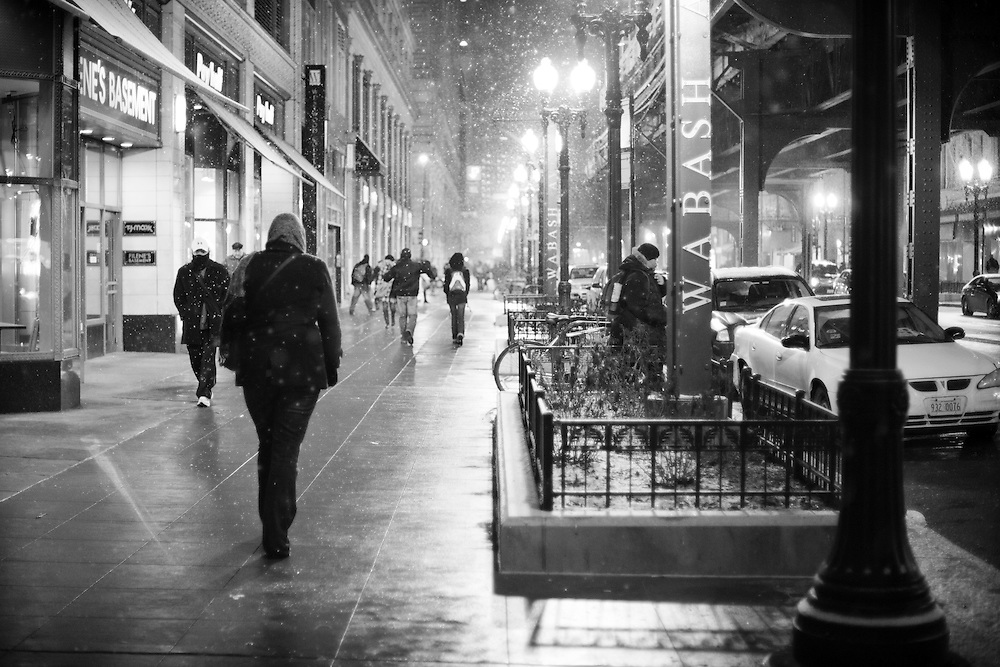 Street Photography in the downtown loop of Chicago.