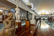 Statues du musée La Piscine à Roubaix // Statues of La Piscine museum