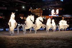 Fiers a Cheval Tanz<br /> Stuttgart - German Masters 2019<br /> Companie des Quidames<br /> Großer Showabend<br /> 13. November 2019<br /> © www.sportfotos-lafrentz.de/Stefan Lafrentz