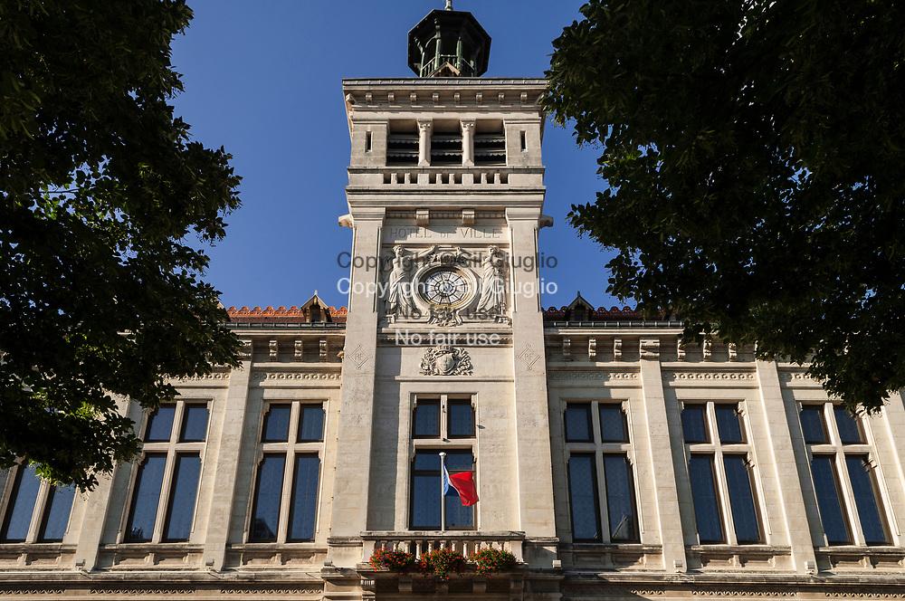 France, Auvergne-Rhône-Alpes, Drôme (26), centre-ville de Valence, Hôtel de Ville// France,  Auvergne Rhone Alpes region, department of Drome, downtown, Valence city, City Hall
