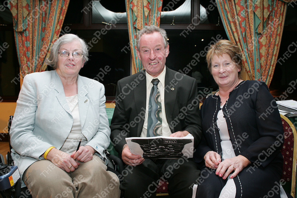 Pictured at the MRSA Meeting in the Clare Inn Hotel were Mary Tierney, James Breen and Margaret Dawson, Founder and Spokeperson MRSA.<br /> Pic.Brian Gavin/Press 22