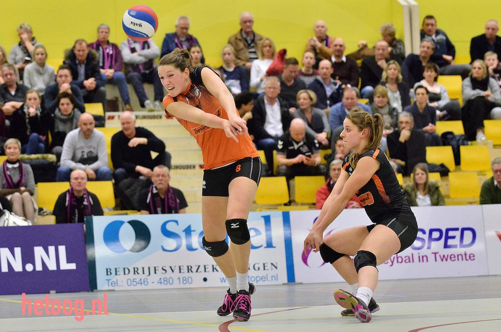 Nederland, Almelo 11jan2017 regionaal en zwaar beladen prestigeduel volleybalvrouwgiganten Eurosped en Set Up'65 (bekerwedstrijd) in de sporthal IISPA te Almelo. Eurosped wint na vier sets met 3-1 (25-22 in de vierde set)