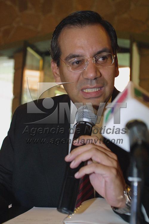 Toluca, M&eacute;x.- Francisco Garate Chapa, presidente del Comite Ejecutivo Estatal del PAN en conferencia de prensa. Agencia MVT / Mario V&aacute;zquez de la Torre. (DIGITAL)<br /> <br /> NO ARCHIVAR - NO ARCHIVE