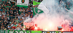 16.07.2016, Allianz Stadion, Wien, AUT, Testspiel, SK Rapid Wien vs Chelsea FC, im Bild Fans mit Bengalen// during a Austrian Bundesliga Football test match between SK Rapid Vienna and Chelsea FC at the Allianz Stadion, Wien, Austria on 2016/07/16. EXPA Pictures © 2016, PhotoCredit: EXPA/ Alexander Forst