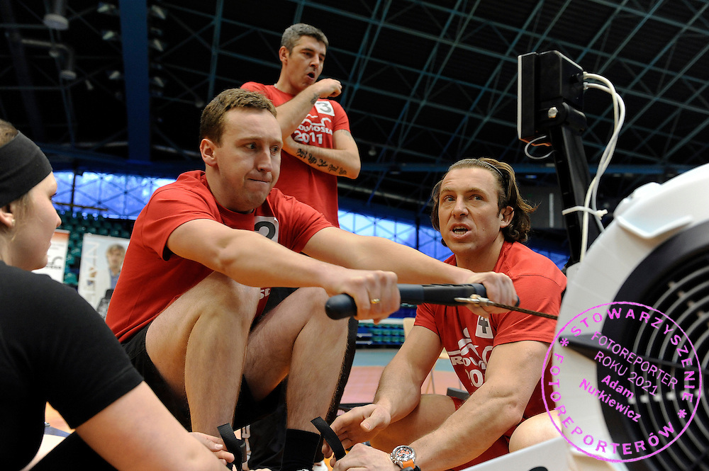 (R) MAREK KOLBOWICZ AND HIS TEAM DURING 20TH POLISH CHAMPIONSHIPS IN ROWING ERGOMETER AT ORBITA HALL IN WROCLAW, POLAND...WROCLAW , POLAND , JANUARY 29, 2011..( PHOTO BY ADAM NURKIEWICZ / MEDIASPORT )
