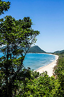 Vista da Praia da Armação a partir do mirante da Casa de Retiros Vila Fátima. Florianópolis, Santa Catarina, Brasil. / Armacao Beach viewed from the belvedere of Casa de Retiros Vila Fátima. Florianopolis, Santa Catarina, Brazil.
