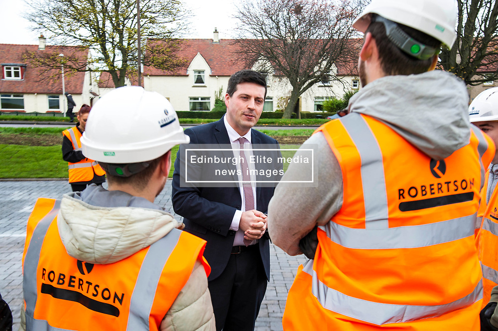 Pictured: Jamie Hepburn<br /> Minister for Employability and Training Jamie Hepburn  responded to the latest Labour market statistics when he visited Robertson Partnership Homes in Edinburgh today and met some of their construction workers<br /> <br /> <br /> Ger Harley   EEm 15 November 2017