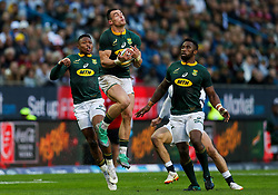 Jesse Kriel of South Africa taking a high ball - Mandatory by-line: Steve Haag/JMP - 23/06/2018 - RUGBY - DHL Newlands Stadium - Cape Town, South Africa - South Africa v England 3rd Test Match, South Africa Tour