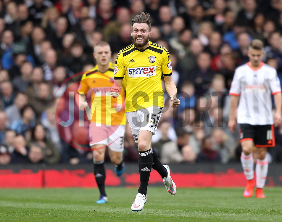 Brentford's Stuart Dallas celebrates scoring - Photo mandatory by-line: Robbie Stephenson/JMP - Mobile: 07966 386802 - 03/04/2015 - SPORT - Football - Fulham - Craven Cottage - Fulham v Brentford - Sky Bet Championship