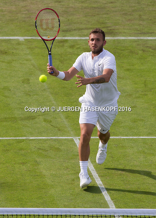 Daniel Evans (GBR) spielt einen hohen Volley,Tattoo,<br /> <br /> Tennis - Wimbledon 2016 - Grand Slam ITF / ATP / WTA -  AELTC - London -  - Great Britain  - 27 June 2016.