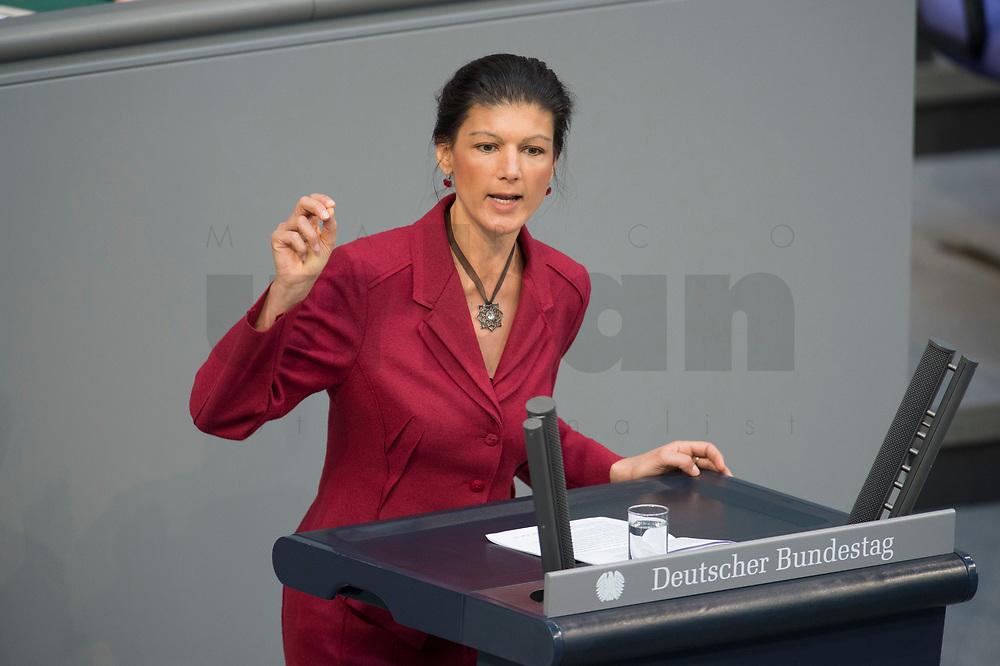 19 MAR 2015, BERLIN/GERMANY:<br /> Sahra Wagenknecht, Die Linke, Stellv. Fraktionsvorsitzende, haelt eine Rede, waehrend der Bundestagsdebatte nach der Abgabe einer Regierungserklaerung durch die Bundeskanzlerin zum Europaeischen Rat, Plenum, Deutscher Bundestag<br /> IMAGE: 20150319-01-033<br /> KEYWORDS: speech