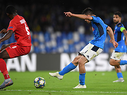 NAPLES, Nov. 6, 2019  Napoli's Hirving Lozano scores his goal during the UEFA Champions League Group E match between Napoli  and Salzsburg in Naples, Italy, Nov. 5, 2019. (Photo by Alberto Lingria/Xinhua) (Credit Image: © Cheng Tingting/Xinhua via ZUMA Wire)