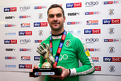 James Shea of Luton Town wins the 2018/19 Sky Bet League One Golden Glove award as Luton Town celebrate winning the league and securing automatic promotion from Sky Bet League 1 to the Sky Bet Championship - Rogan/JMP - 04/05/2019 - Kenilworth Road - Luton, England - Luton Town v Oxford United - Sky Bet League One.