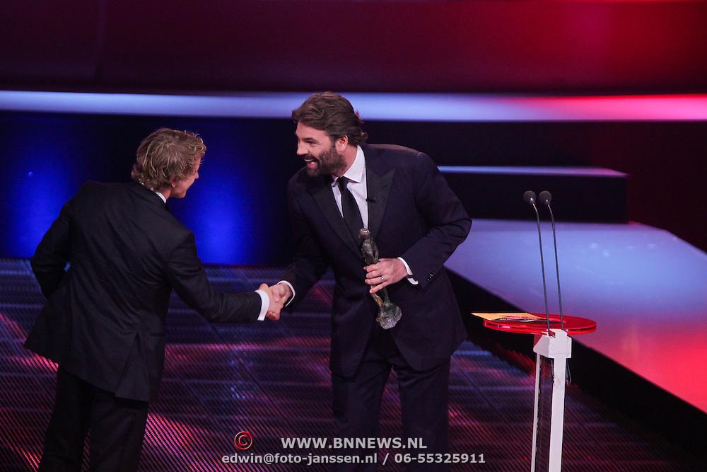 NLD/Den Haag/20111212 - NOC / NSF Sportgala 2011, Sportman van het jaar Epke Zonderland en Reinout Oerlemans