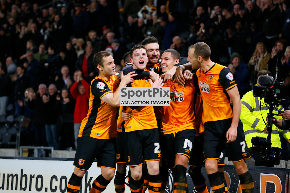Jake Livermore celebrates with the team putting them 2-1 up during Hull City v Reading, SkyBet Championship, Wednesday 16th December 2015, KC Stadium, Hull