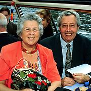 CD overhandiging Jantje Smit, opa en oma