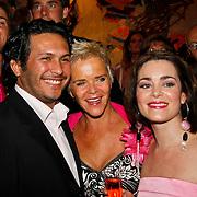 NLD/Tilburg/20101010 - Inloop musical Legally Blonde, Kim Lian van der Meij en haar moeder Immy
