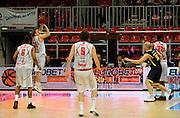 DESCRIZIONE : Bologna Lega Basket A2 2011-12 Morpho Basket Piacenza Tezenis Verona<br /> GIOCATORE : Alan Voskuil<br /> CATEGORIA : Controcampo - Commercial<br /> SQUADRA : Morpho Basket Piacenza<br /> EVENTO : Campionato Lega A2 2011-2012<br /> GARA : Morpho Basket Piacenza Tezenis Verona<br /> DATA : 05/05/2012<br /> SPORT : Pallacanestro<br /> AUTORE : Agenzia Ciamillo-Castoria/A.Giberti<br /> Galleria : Lega Basket A2 2011-2012 <br /> Fotonotizia : Bologna Lega Basket A2 2011-12 Morpho Basket Piacenza Tezenis Verona<br /> Predefinita :