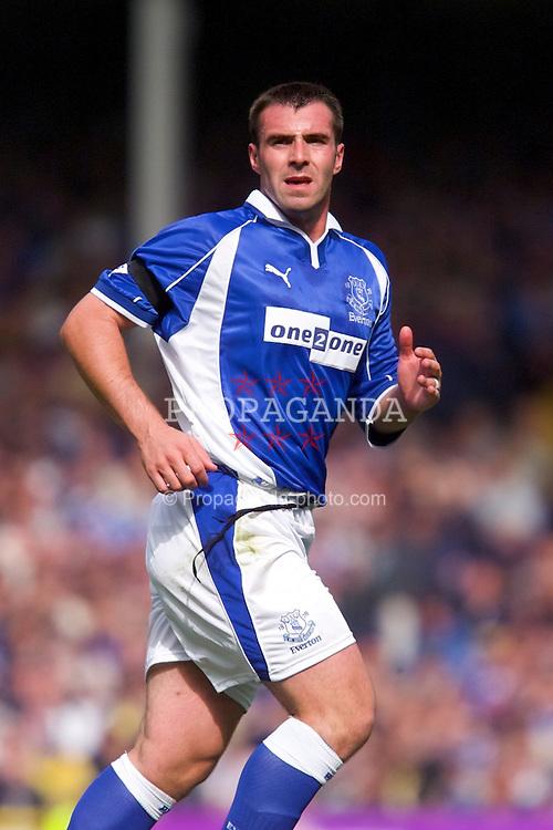 LIVERPOOL, ENGLAND - Saturday, September 15, 2001: Everton's David Unsworth during the Premiership match at Goodison Park. (Pic by David Rawcliffe/Propaganda)