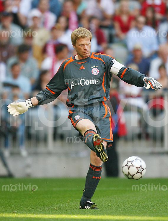 Fussball 1. Bundesliga Saison 2006/2007    5. Spieltag           Bayern Muenchen - Alemannia Aachen Oliver KAHN (Bayern), Einzelaktion am Ball.