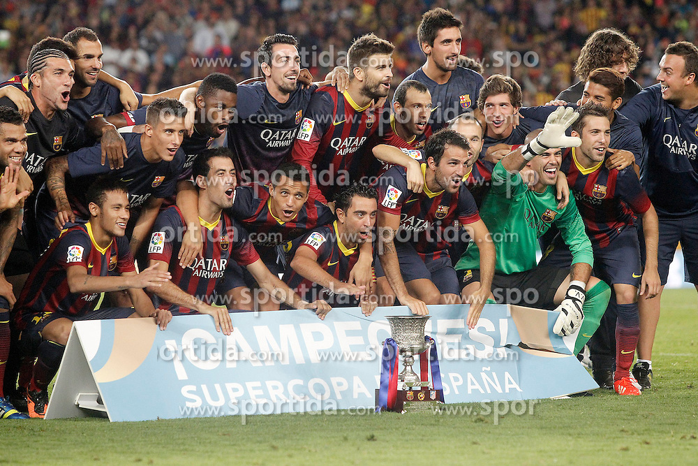 28.08.2013, Camp Nou, Barcelona, ESP, Supercup, FC Barcelona vs Atletico Madrid, Rueckspiel, im Bild FC Barcelona's team celebrate the victory in the Supercup // during second leg match of the Spanish Supercup match between Barcelona FC and Atletico Madrid at the Camp Nou in Barcelona, Spain on 2013/08/28. EXPA Pictures &copy; 2013, PhotoCredit: EXPA/ Alterphotos/ Acero<br /> <br /> ***** ATTENTION - OUT OF ESP and SUI *****