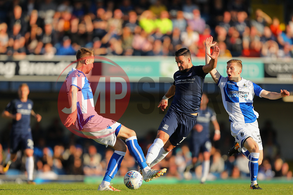 Stephen McLaughlin of Southend United battles through the Bristol Rovers defence - Mandatory by-line: Richard Calver/JMP - 05/05/2018 - FOOTBALL - Roots Hall - Southend-on-Sea, England - Southend United v Bristol Rovers - Sky Bet League One