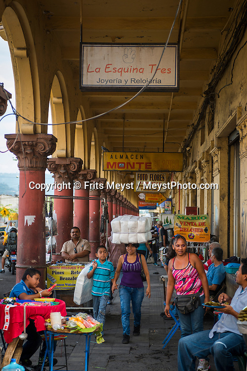 El Salvador, May 2014. Downtown San Salvador. Set in the tropics and consisting of cloud forests, volcanic lakes and national parks, El Salvador boasts quiet Spanish colonial towns and a glorious coastline with world-class waves. Photo by Frits Meyst / MeystPhoto.com