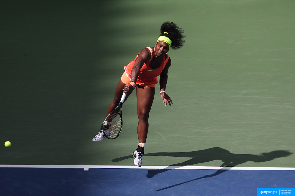 Serena Williams, USA, in action against Roberta Vinci, Italy, in the Women's Singles Semifinals during the US Open Tennis Tournament, Flushing, New York, USA. 11th September 2015. Photo Tim Clayton
