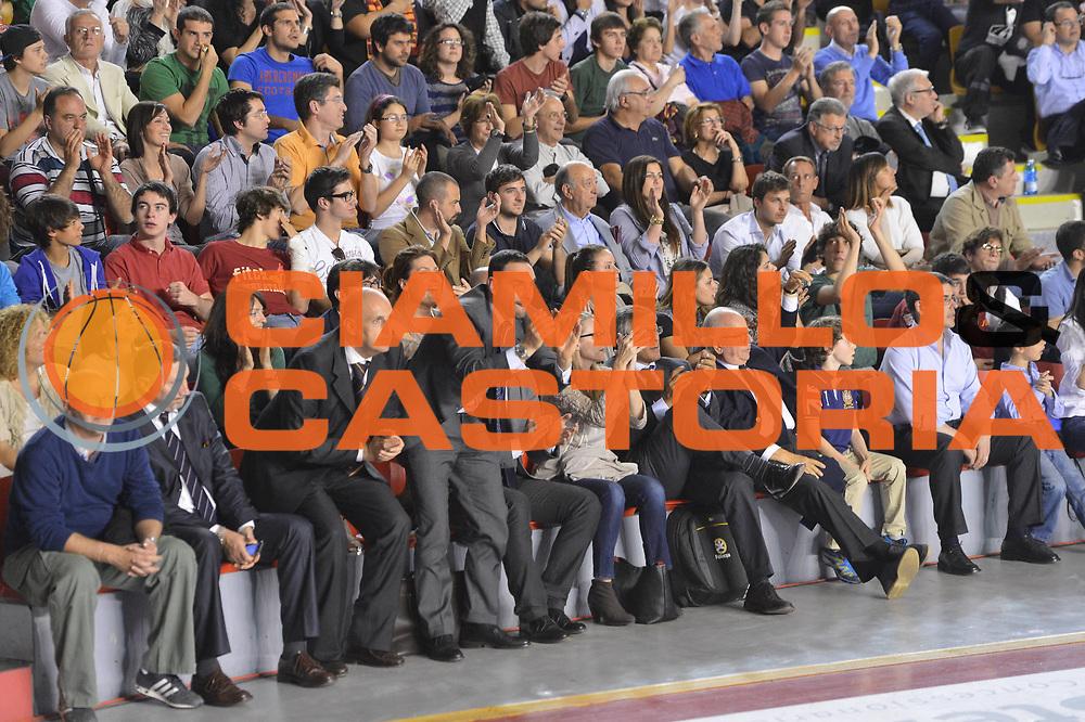 DESCRIZIONE : Roma Lega A 2012-2013 Acea Roma Lenovo Cant&ugrave; playoff semifinale gara 2<br /> GIOCATORE : Tifosi VIP<br /> CATEGORIA : <br /> SQUADRA : Acea Roma<br /> EVENTO : Campionato Lega A 2012-2013 playoff semifinale gara 2<br /> GARA : Acea Roma Lenovo Cant&ugrave;<br /> DATA : 27/05/2013<br /> SPORT : Pallacanestro <br /> AUTORE : Agenzia Ciamillo-Castoria/GiulioCiamillo<br /> Galleria : Lega Basket A 2012-2013  <br /> Fotonotizia : Roma Lega A 2012-2013 Acea Roma Lenovo Cant&ugrave; playoff semifinale gara 2<br /> Predefinita :