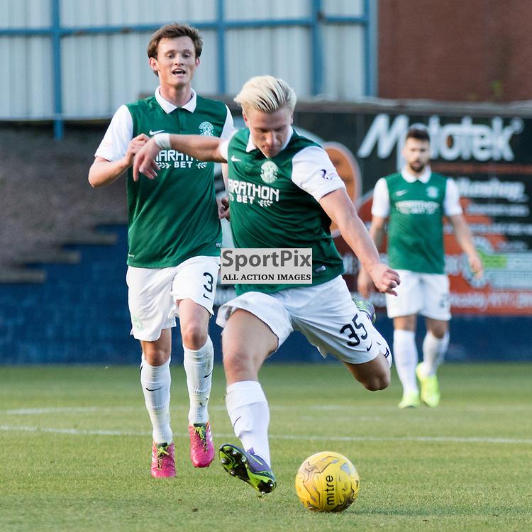 Hibernian's Jason Cummings gets a shot on goal in there Raith Rovers vs Hibernian Scottish Championship 24th October 2015......(c) MARK INGRAM | SportPix.org.uk