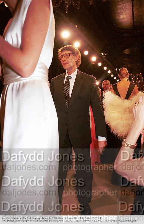 Yves St. Laurent. YSL, couture. July Ô98. Hotel Intercontinental, Paris. 7/22/98. © Copyright Photograph by Dafydd Jones 66 Stockwell Park Rd. London SW9 0DA Tel 020 7733 0108 www.dafjones.com
