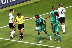 30.06.2011, Commerzbank Arena, Frankfurt, GER, FIFA Women Worldcup 2011, Gruppe A, Deutschland (GER) vs. Nigeria (NGA), im Bild:  Diskussion von und mit Cha Sung (Schiedsrichterin) sowie Linda Bresonik (GER #10 #10, Duisburg) (L) ..// during the FIFA Women Worldcup 2011, Pool A, Germany vs Nigeria on 2011/06/30, Commerzbank Arena, Frankfurt, Germany.  EXPA Pictures © 2011, PhotoCredit: EXPA/ nph/  Mueller *** Local Caption ***       ****** out of GER / CRO  / BEL ******