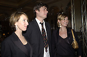 Alex James, Sam Taylor Wood and Kate Moss. David Bailey dinner hosted by Lucy Yeomans at Gordon Ramsay at Claridge's. 12 November 2001. © Copyright Photograph by Dafydd Jones 66 Stockwell Park Rd. London SW9 0DA Tel 020 7733 0108 www.dafjones.com