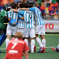 DEN HAAG - Rabobank Hockey World Cup<br /> 37 Argentina - England<br /> Foto: Argentina beat England and take the bronze.<br /> COPYRIGHT FRANK UIJLENBROEK FFU PRESS AGENCY
