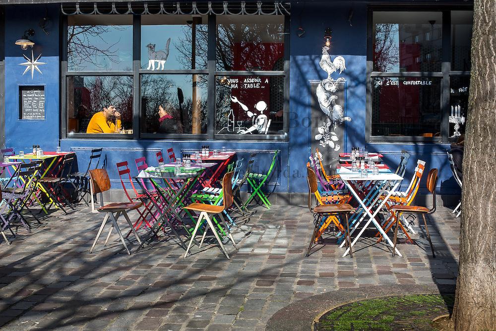 Terrasse de café à Belleville // Café pavement area in Belleville