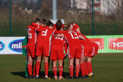 ZENICA, BOSNIA AND HERZEGOVINA - Tuesday, November 28, 2017: Wales players form a pre-match huddle before the FIFA Women's World Cup 2019 Qualifying Round Group 1 match between Bosnia and Herzegovina and Wales at the FF BH Football Training Centre. (Pic by David Rawcliffe/Propaganda)