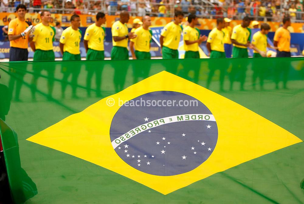 Football-FIFA Beach Soccer World Cup 2006 - Group A- Brazil - Japan, Beachsoccer World Cup 2006. Brasilian's flag - Rio de Janeiro - Brazil 05/11/2006. Mandatory credit: FIFA/ Manuel Queimadelos
