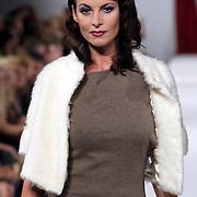 NLD/Amsterdam/20080901 - Modeshow Jos van Raak 2008, Irene van der Laar
