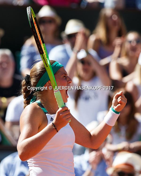 JELENA OSTAPENKO (LAT) macht die Faust und jubelt,Jubel,Freude,Emotion,<br /> <br /> Tennis - French Open 2017 - Grand Slam / ATP / WTA / ITF -  Roland Garros - Paris -  - France  - 10 June 2017.