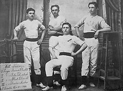 Reprodução de foto do Museu do Imigrante, em São Leopoldo mostra os campeões de ginástica de 1910: Bruno Schiell, Bela Filusteck, Albert Schimidt e Theodor Marcker. FOTO: Lucas Uebel/Preview.com