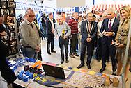 7-10-2014  NIJMEGEN  - Koningin Maxima bezoekt dinsdagochtend 7 oktober sociale werkvoorzieningsorganisatie Breed in Nijmegen. Tijdens een speciale dag krijgen medewerkers van de productieafdelingen van Breed informatie over het werk dat zij bij reguliere organisaties kunnen uitvoeren, vaak onder begeleiding van een werkcoach. COPYRIGHT ROBIN UTRECHT