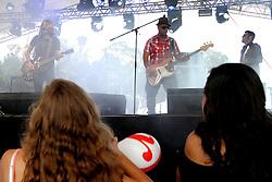 Banda Bloomy no palco do Pretinho Convida no Planeta Atlântida 2013/SC, que acontece nos dias 11 e 12 de janeiro no Sapiens Parque, em Florianópolis. FOTO: Marcos Nagelstein/Preview.com