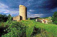 France - Provence - Vaucluse - Luberon - Tour d'Embarde