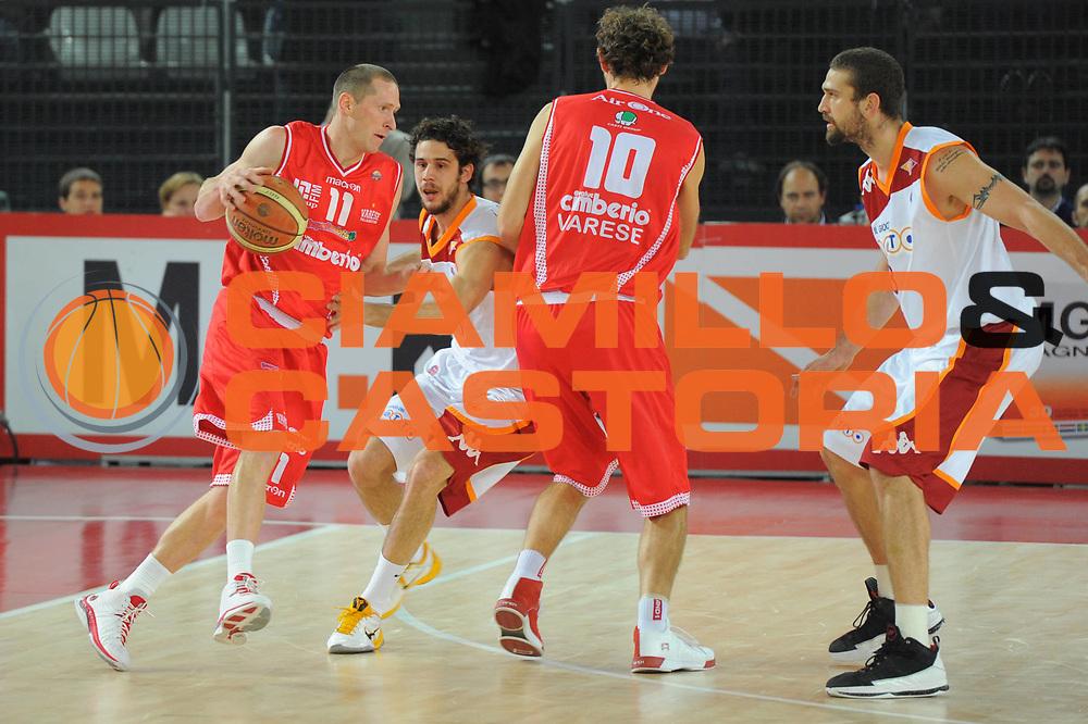 DESCRIZIONE : Roma Lega A 2010-11 Lottomatica Roma Cimberio Varese<br /> GIOCATORE : Jobey Thomas<br /> SQUADRA : Lottomatica Roma <br /> EVENTO : Campionato Lega A 2010-2011 <br /> GARA : Lottomatica Roma Cimberio Varese <br /> DATA : 05/12/2010<br /> CATEGORIA : palleggio<br /> SPORT : Pallacanestro <br /> AUTORE : Agenzia Ciamillo-Castoria/ GiulioCiamillo<br /> Galleria : Lega Basket A 2010-2011 <br /> Fotonotizia : Roma Lega A 2010-11 Lottomatica Roma Cimberio Varese<br /> Predefinita :