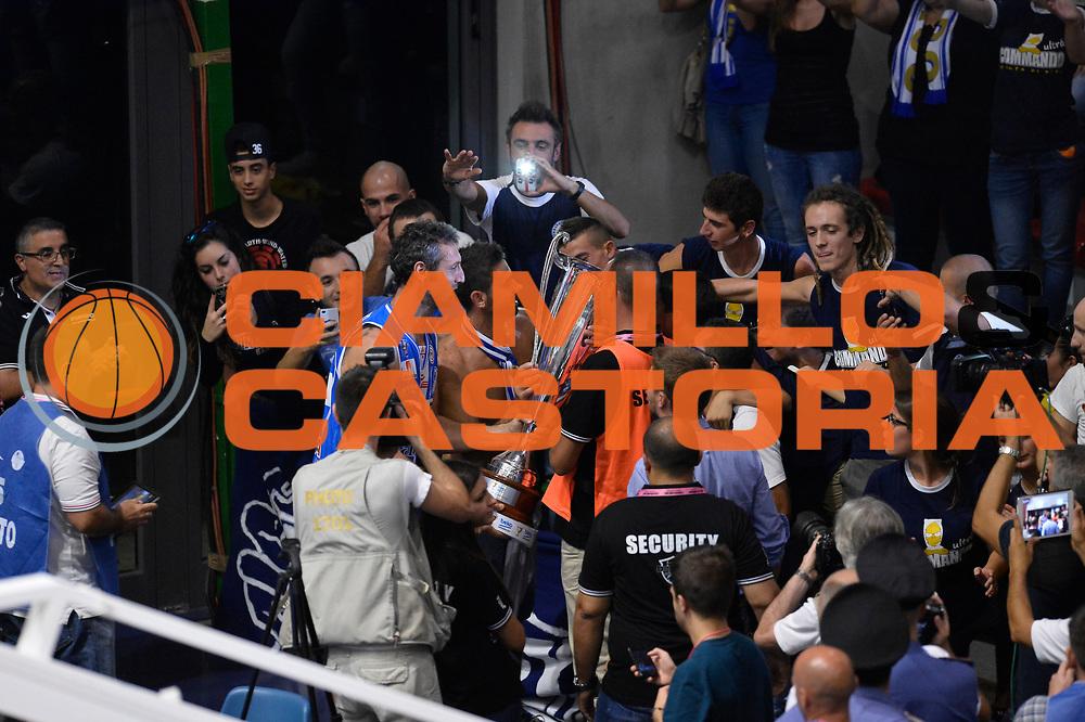 DESCRIZIONE : Sassari Lega Serie A 2014/15 Beko Supercoppa 2014 Finale EA7 Emporio Armani Milano Dinamo Banco di Sardegna Sassari <br /> GIOCATORE : Banco di Sardegna Sassari<br /> CATEGORIA :  Tifosi esultanza<br /> SQUADRA :  Banco di Sardegna Sassari<br /> EVENTO :  Beko Supercoppa 2014 <br /> GARA : EA7 Emporio Armani Milano Dinamo Banco di Sardegna Sassari <br /> DATA : 05/10/2014 <br /> SPORT : Pallacanestro <br /> AUTORE : Agenzia Ciamillo-Castoria/GiulioCiamillo<br /> Galleria : Lega Basket A 2014-2015 <br /> Fotonotizia : Sassari Lega Serie A 2014/15 Beko Supercoppa 2014Finale EA7 Emporio Armani Milano Dinamo Banco di Sardegna Sassari <br /> Predefinita :