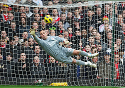 27.02.2011, Upton Park, London, ENG, PL, West Ham United vs Liverpool FC, im Bild Liverpool's goalkeeper Jose Reina is helpless to prevent West Ham United's opening goal during the Premiership match at Upton Park, EXPA Pictures © 2010, PhotoCredit: EXPA/ Propaganda/ D. Rawcliffe *** ATTENTION *** UK OUT!